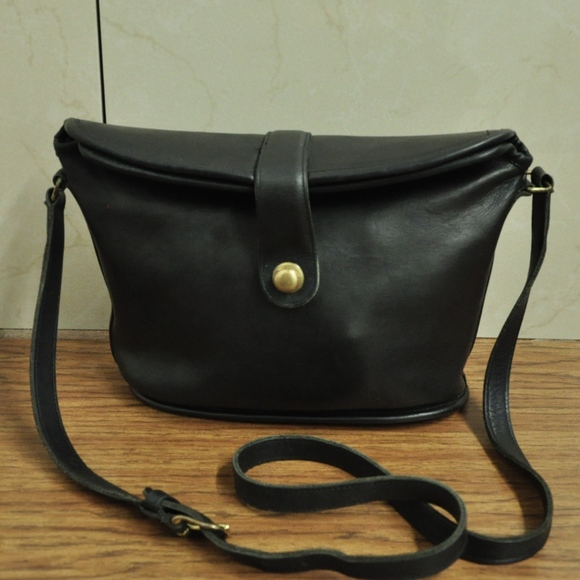 ec64629afd7 Coach Bags   Vintage Black Leather Shoulder Bag   Poshmark